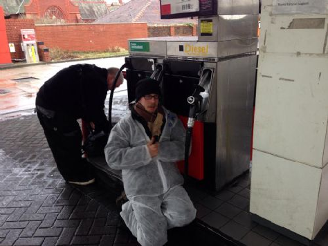 FRACKING PROTESTERS ARRESTED FOR GLUING THEMSELVES TO WRONG PETROL PUMPS!