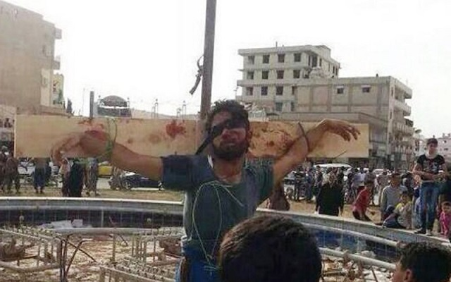 JIHADIST EXTREMISTS CRUCIFYING ENEMIES IN SYRIA AND TWEETING IT!