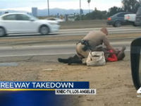 WATCH AS COP BRUTALLY BEATS THE HELL OUT OF WOMAN IN THE HEAD!