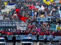 Internet EXPLODES After People See Something STRANGE Happening At 'March For Life'… MSM SILENT