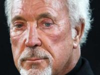 Tom Jones Just Made Emergency Announcement… Please Send Your Prayers