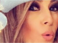 Internet Absolutely ERUPTS Over Melania's Christmas Selfie, Take A Close Look!