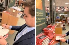 CNN's Jim Acosta Holds First Book Signing, But No One Showed Up 😂