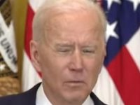 WATCH As White House Kills Video Feed Of DEMENTED Biden When He Starts Doing THIS Strange Thing, WTF?!
